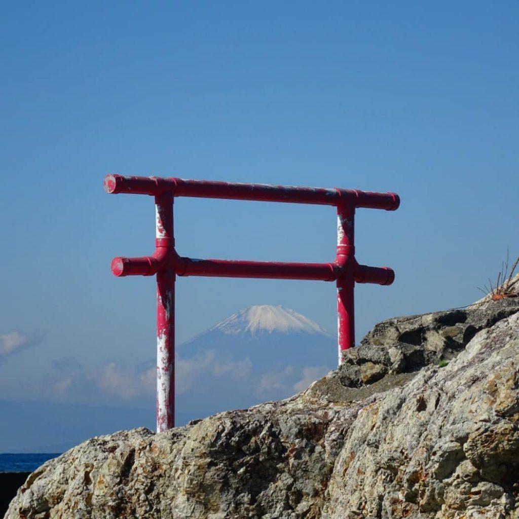 鳥居富士山-一色海岸小磯の鼻