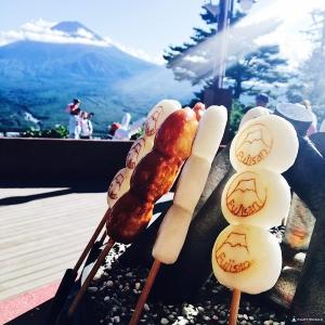 富士山醬油烤丸子_天上山公園たぬき茶屋