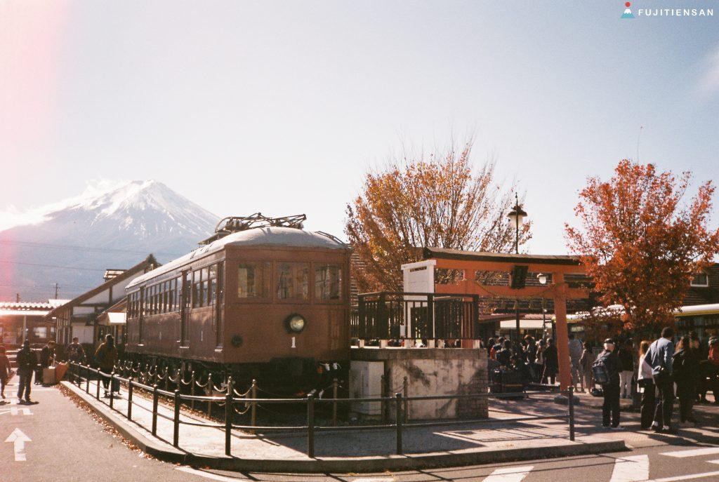 鳥居富士山-河口湖車站